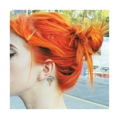 hayley williams orange hair messy bun ❤ liked on Polyvore featuring hair, females and hairstyle