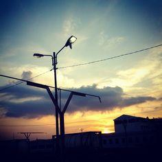 "matahari di stasiun pasarturi surabya ""iINDONESIA"""