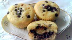 Csokoládécseppel és nutellával töltött muffin | Nosalty Nutella, Muffins, Cupcakes, Sweets, Cookies, Breakfast, Recipes, Food, Crack Crackers