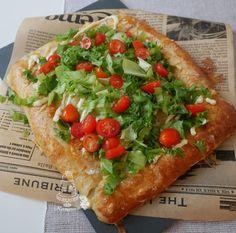 Kermaruusu: pienet suolaiset Bruschetta, Vegetable Pizza, Vegetables, Ethnic Recipes, Food, Essen, Vegetable Recipes, Meals, Yemek