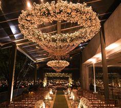 Às vezes me pego pensando se tudo foi apenas um sonho... ❤️❤️😍 Tá cedo pra começar a pensar na comemoração do #RaizaEGerim1Ano? 🙈😂 Quero de novo! #Casamento #Decor #Noiva #Bridezilla