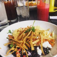 Feast your eyes on Dish Society brunch – It's Not Hou It's Me Houston Brunch, Brunch Dishes, Mac And Cheese, Restaurant Bar, Sprouts, Cauliflower, Restaurants, Spaghetti, Good Food