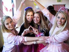 Delta Delta Delta, bid day photo idea. Take a picture with the new girls and throw what you know! #DDD