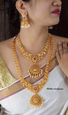 Temple Jewellery Long and Short Bridal jewelry,traditional jewelry, matte gold necklace, south indian jewelry, indian je Gold Temple Jewellery, Gold Wedding Jewelry, Gold Jewelry, Jewelry Art, Jewelery, Jewelry Necklaces, Indian Bridal Jewelry Sets, Bridal Jewellery, Gold Bangles Design