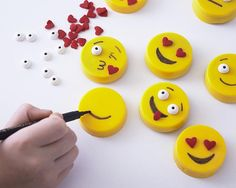 So, you can't really get easier than these adorable Oreo Emoji Cookies. No need to turn on an oven, or pull out a piping bag. Microwaveable candy coating, ready to use sprinkles and a food coloring marker make these treats come together in no time at all. This is a great project to have your kids make because our easy Oreo mold makes the circle shape a no brainer and they're easily customized with whatever