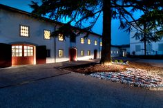 VILLA PARENS, the winery by night.