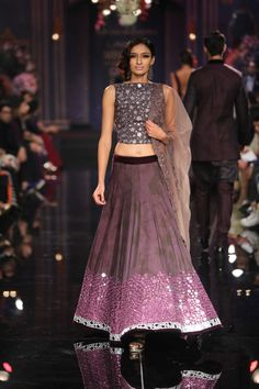 Lakmé Fashion Week – Manish Malhotra Grand Finale at LFW WF 2014 versatile as separates as well Indian Dresses, Indian Outfits, Ethnic Outfits, Indian Clothes, Indian Attire, Indian Ethnic Wear, Ethnic Fashion, Indian Fashion, Indian Lehenga