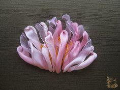 Живопись лентами: способы вышить цветок + красивая подборка.. Обсуждение на LiveInternet - Российский Сервис Онлайн-Дневников