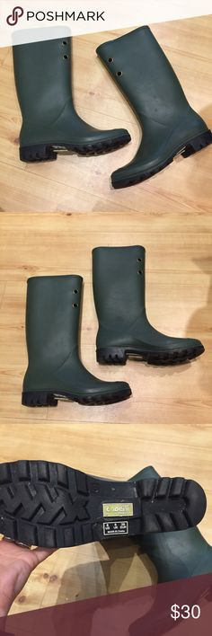 Capelli rain boots Awesome rain boots in nearly perfect condition.  An excellent hunter green color. Capelli of New York Shoes Winter & Rain Boots