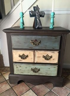 ideas shabby chic diy furniture projects side tables for 2019 Shabby Chic Bedrooms, Shabby Chic Homes, Shabby Chic Furniture, Shabby Chic Decor, Painted Furniture, Vintage Furniture, Shabby Chic Drawers, French Furniture, Farmhouse Furniture