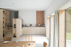 atelier-mima-maison-JJ&S.M-timber-house-nivillac-france-designboom-02