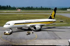 Boeing 757-212 aircraft picture