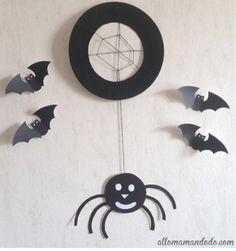 DIY, bricolage d'Halloween : une araignée à base d'assiette en carton