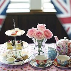Diamond Jubilee tea club to ease London commute Dreading a busy evening commute during the Queen's Diamond Jubilee or Olympic Games this summer? Why not stop off for a spot of tea at the new 5 O'Clock Tea Club. What Is High Tea, 5 O Clock Tea, Yorkshire, Tea Club, Afternoon Tea Parties, Cuppa Tea, Tea Service, My Tea, Drinking Tea