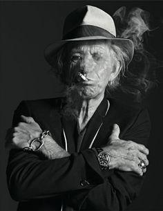Keith Richards by Mario Sorrenti Más Siga o nosso blog Mundo de Músicas em http://mundodemusicas.com/