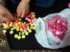 Candy Lei's ~ a nice graduation gift Diy Graduation Gifts, Graduation Leis, Money Lei, Jolly Rancher, Craft Gifts, Diy Gifts, Starburst Candy, Hawaiian Crafts, Senior Gifts