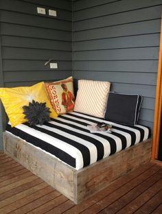 Porch bed