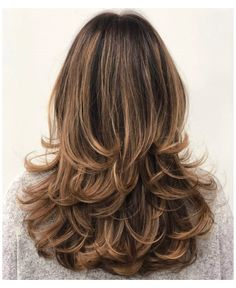 Haircuts For Long Hair With Layers, Long Layered Haircuts, Layered Hairstyles, Trendy Haircuts For Women, Medium Length Hair With Layers, Haircut Styles For Women, Long Hair With Bangs, Modern Haircuts, New Long Hairstyles