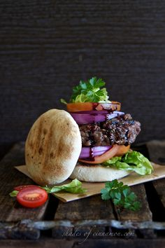 Ostrich Burger with Corn Bread. Ostrich Burger with corn bread and a red wine reduction. Slow Food, A Food, Ostrich Meat, South African Recipes, Ethnic Recipes, Red Wine Reduction, Bistro Food, Sandwiches, Beef Burgers
