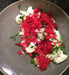 12 hour work day and a #teamleeandmarias Dinner cooked  ...Fresh is Fast  Organic Mushrooms Organic Pea Tenders egg white shredded beets and shredded Cabbage all topped with some chili flakes  #teamleeandmarias #supportlocal #supportlocalfarmers #momandpopshop #spreadthehealth