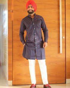 💕shavia💕 Ammy Virk, Swagg, Shirt Dress, T Shirt, Chef Jackets, Handsome, Polo, Guys, Stylish