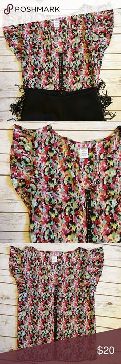 Floral shirt with crochet trim Beautiful details along front of shirt, hemline, and sleeves (see last picture). Trixxi Tops Tank Tops