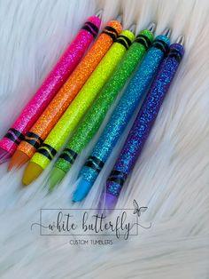 Diy Tumblers, Custom Tumblers, Glitter Tumblers, Diy Resin Art, Diy Resin Crafts, Glitter Crafts, Glitter Gel, Papermate Inkjoy Gel Pens, Fancy Pens