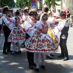 Voivodina Hungarians, national costume and dance. Traditional French Clothing, Traditional Dresses, Hungarian Dance, French Outfit, Art Populaire, Hungarian Embroidery, Folk Dance, Folk Costume, People Of The World
