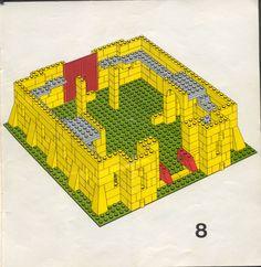 Old LEGO® Instructions | letsbuilditagain.com Lego Castle Instructions, Lego Structures, Classic Lego, Lego Juniors, Lego Challenge, Lego Club, Lego Activities, Vintage Lego, Lego Architecture