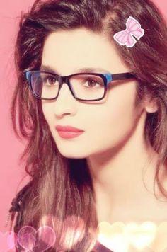 My best beautiful picture ♥️ Bollywood Stars, Bollywood Fashion, Bollywood Actress, Girls Dpz, Boys Dpz, Aalia Bhatt, Alia Bhatt Cute, Cute Girl Photo, Girls Gallery