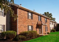 Located on the Far East side, Ashley Pointe Apartments in Evansville are just minutes from the Eastland Mall, nightlife, and leisurely dining.
