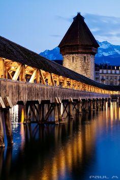 Kapellbrücke ( The Chapel Bridge ) , Lucerne, Switzerland