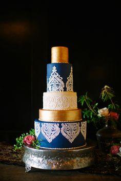 henna inspired wedding cake - photo by Anna Naphtali http://ruffledblog.com/bohemian-nouvea-wedding-with-midnight-blue #weddingcake #cakes