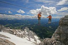 Klettersteiggebiet Nr. 1 in Österreich - Ramsau am Dachstein | Sehenswürdigkeit… Heart Of Europe, Nature Wallpaper, Austria, Backpacking, Adventure Travel, Climbing, Mount Everest, Places To Go, Survival