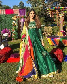Fancy Dress Design, Bridal Dress Design, Stylish Dress Designs, Designs For Dresses, Pakistani Fashion Party Wear, Pakistani Wedding Outfits, Indian Fashion Dresses, Indian Designer Outfits, Beautiful Pakistani Dresses