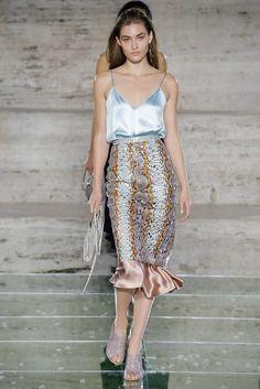 The Pink Pineapple: Milan Fashion Week day 4 Spring Summer 2018, Flower Dresses, Salvatore Ferragamo, Milan, Sequin Skirt, Runway, Womens Fashion, Skirts, Pink