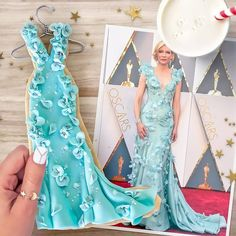 Did anyone manage to catch presentation of Oscar treats on this morning (link in bio)? Some of my cookies were included in the lineup, including this edible version of the dress worn by Cate Blanchett in 2016 (one of my all-time faves! Peach Cookies, Fancy Cookies, Iced Cookies, Cute Cookies, Royal Icing Cookies, Cupcake Cookies, Sugar Cookies, Edible Cookies, Fondant Cookies