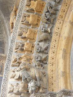 Portail de la cathédrale Sainte-Marie d'Oloron. . Oloron-Sainte-Marie… Sainte Marie, Pisa, Romanesque Architecture, Built Environment, 12th Century, Kirchen, Statues, History, Aquitaine