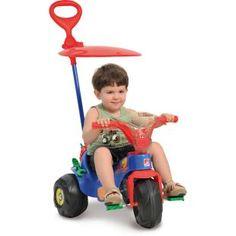 Triciclo Bandeirante Motoban Pit Stop Passeio, uma diversão para seu filho.    Nova capota articulável e giratória: proteção contra o sol e mais conforto para a criança.    Agora com exclusivo sistema de roda livre, para a criança utilizar os pedais como apoio.