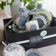 Perfect for Mother's Day or any occasion. Make this organic and natural spa kit with all of the recipes and printable labels.