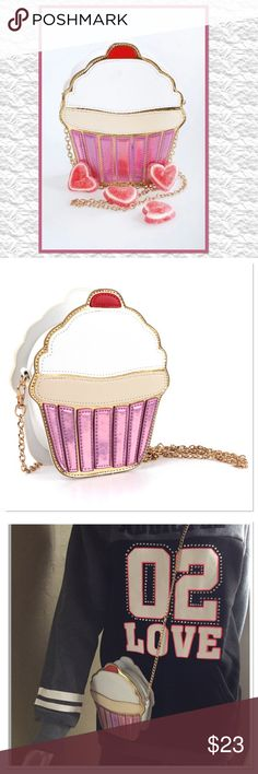 665ab921cea9 12 Best Purse Cupcakes images in 2016 | Cake, Cupcake cakes, Girl cakes