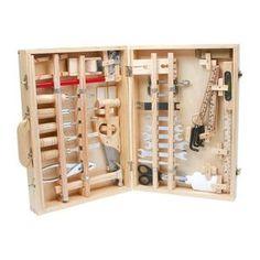 L\'herminette est un outil de travail du bois. C\'est une sorte de ...