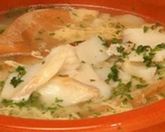 Caldo com Sabor Rico de Bacalhau - http://www.receitasja.com/caldo-com-sabor-rico-de-bacalhau/