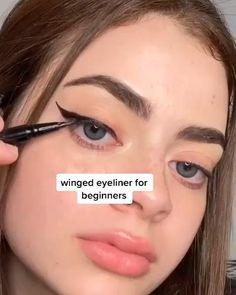 Eyeliner For Hooded Eyes, Winged Eyeliner Tutorial, Hooded Eye Makeup, Winged Liner, Blue Eyeliner, Eyeliner For Small Eyelids, How To Eyeliner, Simple Eyeliner Tutorial, Droopy Eye Makeup