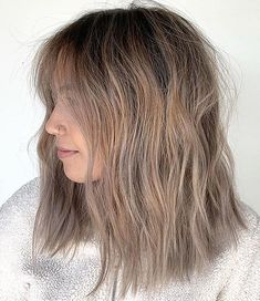 Find the best way to make your hair look alive and voluminous with this impressive list of hairstyles and haircuts for fine hair. Haircuts For Thin Fine Hair, Long Fine Hair, Bob Hairstyles For Fine Hair, Lob Hairstyle, Men's Hairstyles, Formal Hairstyles, Thin Hair, Lob Haircut, Easy Hair Cuts