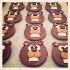 Beaver cupcake toppers