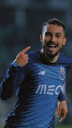 Alex Telles, Fc Porto, Game Logo, Manchester United, The Unit, Football, Sports, Wallpapers, Iphone