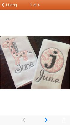 Giraffe Monogram Burp Cloth Set by preppyponydesigns on Etsy Baby Embroidery, Machine Embroidery Applique, Machine Quilting, Embroidery Ideas, Baby Burp Cloths, Burp Cloth Set, Diy Baby Gifts, Baby Crafts, Embroidered Gifts
