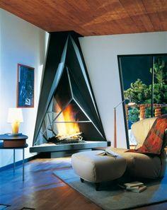 Big, modern fireplace. Damn, that's cool!