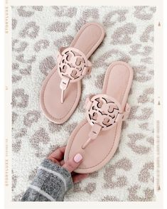 shoes ❤️ 💗🙌🏻 Blush Pink Tory Burch Miller Sandale Gardening catalogues also have Pink Sandals, Sandals Outfit, Shoes Sandals, Espadrilles Outfit, Cute Shoes, Me Too Shoes, Miller Sandal, Tory Burch Sandals, Tory Burch Bag